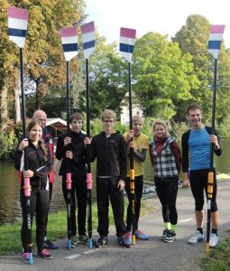 Met instructeurs Wim van der Geest en Haytske Zijlstra. Lenie Euser ontbreekt op de foto.